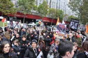 manifestation-fourrure-2010@michel-pourny15-